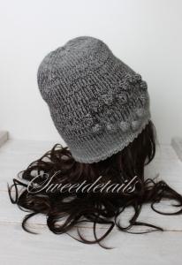 Beaniemütze aus Wolle in Grau mit Farbverlauf Wollmütze Beaniewollmütze mit Herz