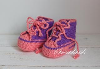 Sportliche Babyschuhe in Lila - Rosa Baby Wollschuhe Schuhe Sportschuhe Häkelschuhe