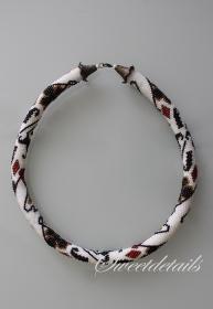 Gehäkelte Perlenkette *Poker* Häkelkette Schlauchkette aus Perlen in Weiß-Schwarz-Rot-Gold
