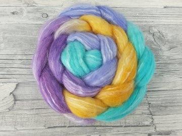Kammzug mit Merino, Babyalpaka, Perlenfaser / handgefärbte Spinnfasern mit Farbverlauf - TRAUMTÄNZER - 100g