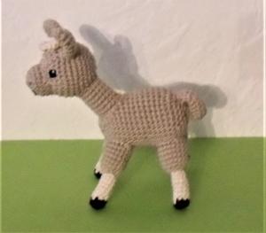 Spucki, das Lama, Kuscheltier aus Baumwolle , gehäkeltes Lama / Alpaka
