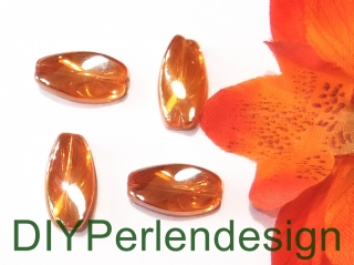 4 orange Hochglanzperlen, gedreht, 17x8 mm