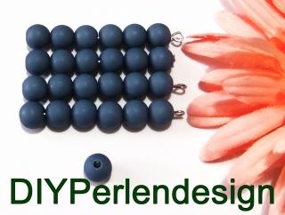 25  Acrylperlen in einem dunklen Jeansblau, 7 mm