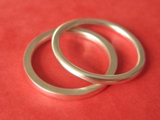 Silberringpaar rund und eckig - Handarbeit kaufen