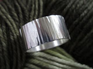 Strukturierter Silberring extreme