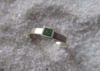Silberring Quadrat grün strukturiert - Handarbeit kaufen