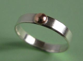 Kuppel Silberring mit feinem Kupfercabochon - Handarbeit kaufen
