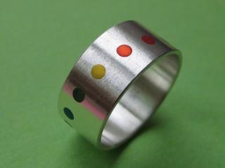 Silberring Auf den Punkt No.3 in Regenbogenfarben