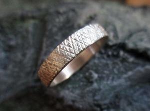 Eisstrukturierter Silberring Kristalle - Handarbeit kaufen