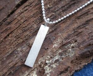 Silberanhänger -pretty simple- mit Perlöse an Kugelkette - Handarbeit kaufen