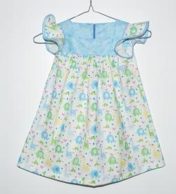 schönes luftiges Mädchen Sommerkleid