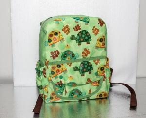 schöner grüner Kinderrucksack mit Schildkröten - Handarbeit kaufen
