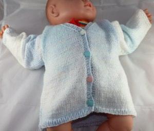 Handgestrickte Baby-Jacke Gr. 62/68