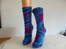 Socken handgestrickt aus handgefärbter Wolle Gr.38