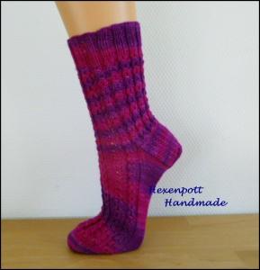 Handgestrickte Socken Gr.38-39 magenta aus handgefärbter Wolle