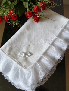 Taufdecke zu Taufkleid Baby, Kuscheldecke Taufe  - Handarbeit kaufen