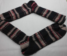 Socken handgestrickt in der Gr. 44/45  dezente Farben