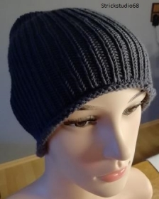 Strickmütze - Gr. S/M - handgestrickt - schlichte Mütze - für Damen und Herren - grau (anthrazit)