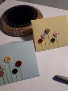 6 Mini - Umschläge mit Knopf - Blümchen verziert
