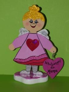Schutzengel Engel mit Herzen aus Holz Höhe 23cm Belinda - Handarbeit kaufen
