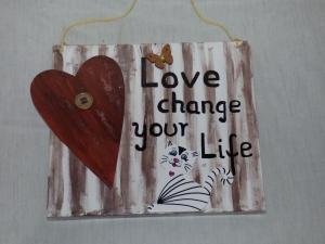 Holzbild Love change your life Wandbild Wanddeko 29x25cm - Handarbeit kaufen