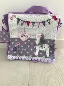 Handgefertigter Kindergartenrucksack mit Pferd, Wimpelkette und Namen - Handarbeit kaufen