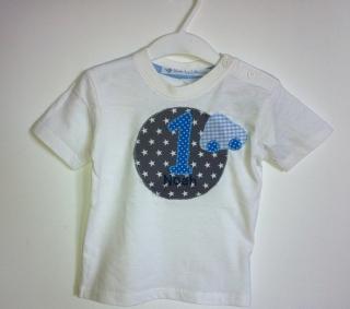 handgefertigtes Geburtstagsshirt mit Zahl, Namen und Auto - Handarbeit kaufen