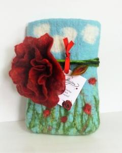 Handgefertigtes Etui mit abnehmbarer roter Blüte aus Wolle und Seide  - Handarbeit kaufen