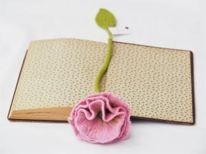 Handgefertigtes Blütenlesezeichen aus 100 % Wolle   - Handarbeit kaufen