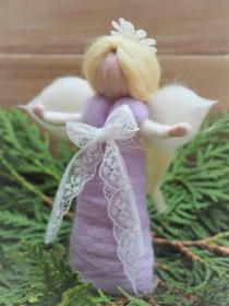 Engelchen*Handgearbeitet*100 % Wolle*Flieder, Weiß*Spitze und Krönchen*Stehend (Kopie id: 100209889) - Handarbeit kaufen