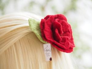 *Bezaubernde Blüte *Haarschmuck*in kräftigem Rot*aus feiner Wolle*handgefertigt*  - Handarbeit kaufen