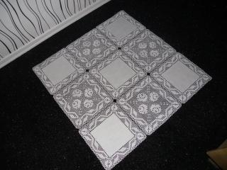 gehäkelte Decke, gehäkelte Tischdecke mit Stoffquadrate, Rosen, Handarbeit, Neu