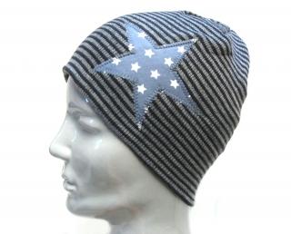 Selbstgenähte Mütze für Kinder und Erwachsene mit Stern
