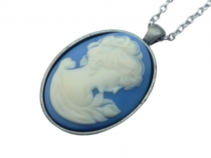 Elegante Unikat Kamee Halskette mit Dame in blau weiß silberfarben Geschenkidee Frau - Handarbeit kaufen