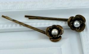 Zauberhafte Rosen Haarklemmen 2er Set aus Metall mit Perlen