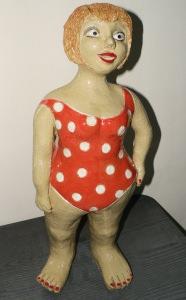 Keramikfigur handgetöpfert, Badenixe, Beachgirl