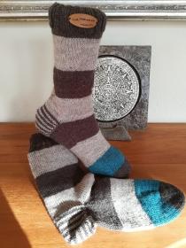 Handgestrickte Socken Blockstreifen