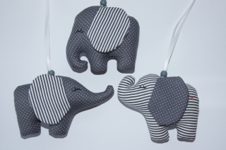 Mobileanhänger  Elefant aus Stoff genäht 3er Set dunkelgrau