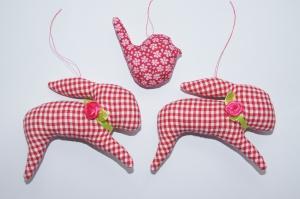 Osterhase 2x/VögelchenOsteranhänger aus Baumwollstoff genäht insg. 3 Stück rot