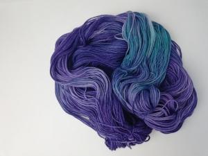 handgefärbte Wolle   kuschelweich   Lilamond Variante 2