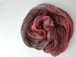 handgefärbte Wolle   glänzend   rotlaub Variante 2   Prinzenwolle