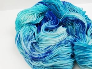 handgefärbte Wolle   kuschelweich   splash Variante 1