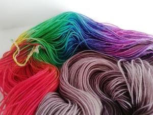handgefärbte Wolle   Socken?   pride Variante 2   Prinzenwolle