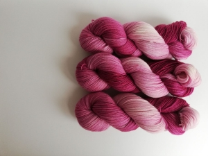 Prinzenwolle   pure - plum   ☆ Lanartus - fms ☆   handgefärbt
