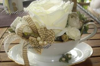 ♡Schöne Tischdekoration  mit Rose in Porzellan Souciere♡