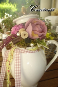 ♡ Schöne Kaffeekanne als Dekoration umgewandelt in rosa ♡