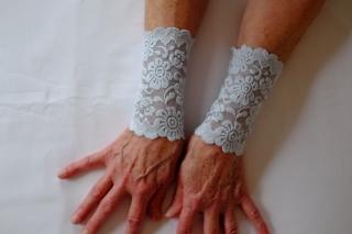 Armstulpen Handstulpen elastische Spitze hellblau