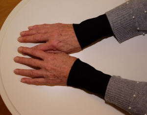 Armstulpen Pulswärmer schwarz -klassisch- leichter Sweat - Handarbeit kaufen