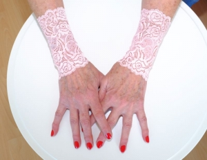 Armstulpen Handstulpen aus elastischer Spitze in rosa