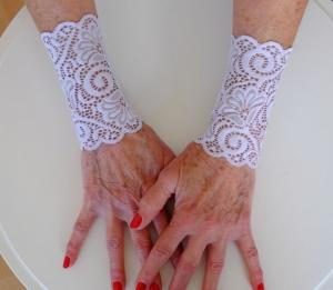 Armstulpen Handstulpen elastische Spitze flieder